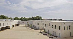 Le collège Frédéric Mistral, GPAA, Arles, nommé à l'Equerre d'argent 2011 : cour de récréation