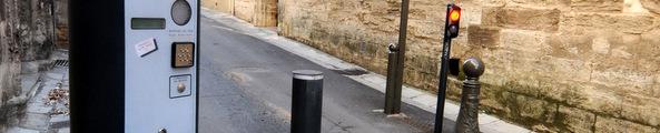 Accès réglementé par une borne Rue Raspail