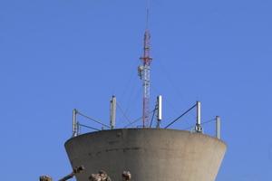 Antenne-relais sur le château d'eau de Raphèle