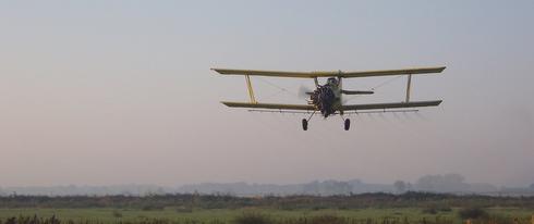 Avion de traitement démoustication