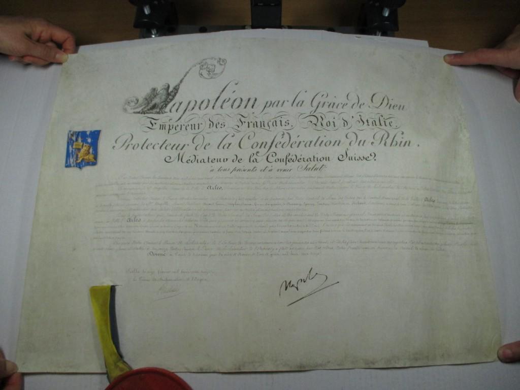 Document 1: la charte de Napoléon du 11 février 1813 adressée à la ville d'Arles