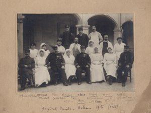 L'équipe médiacale de l'hôpital mixte, avril 1915